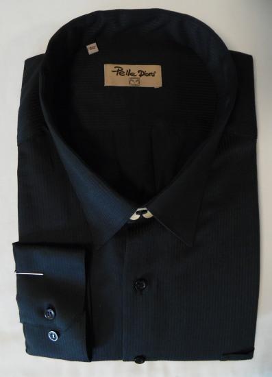 Fekete ing-Pelle D